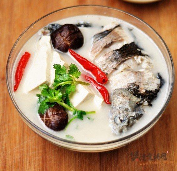 鲫鱼汤的家常做法_鲫鱼汤的做法大全-煲汤食谱网