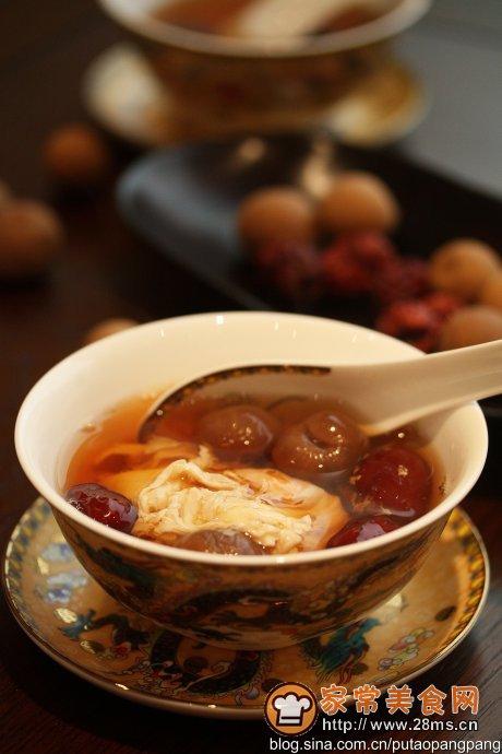 原料:桂圆干,红枣(可放可不放)