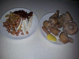 猪尾花生汤的家常做法 猪尾花生汤的做法大全 煲汤食谱网