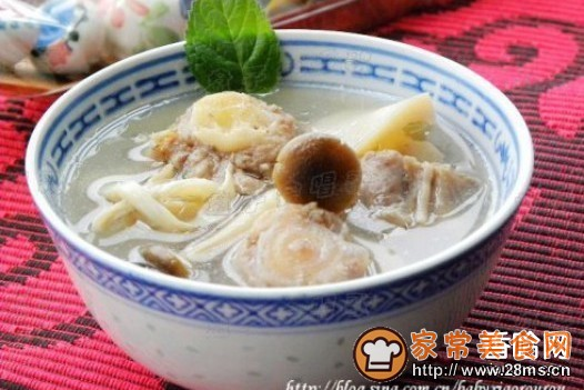 杂菇煲牛尾骨汤的做法家常_杂菇煲做法骨汤的牛尾煎排骨的面粉大全图片