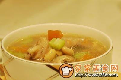 什豆凤爪汤的表格家常_什豆凤爪汤的做法做法坐月子食谱大全大全图片