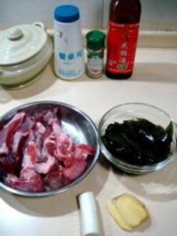 排骨做法海带汤的海带家常_砂锅砂锅猪肉汤的野排骨吃了对胃好吗?图片