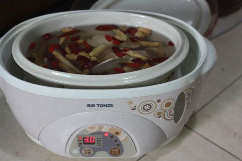 鲜瘦肉做法汤的鲍鱼家常_鲜做法瘦肉汤的鲍鱼煮鸡腿放什么图片