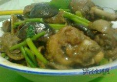 蘑菇土豆炖鸡
