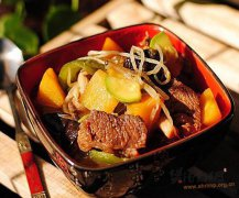 牛肉炖杂蔬
