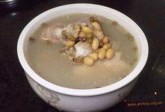黄绿豆煲鱼骨汤