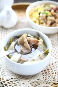 石橄榄猪肝沿山药汤
