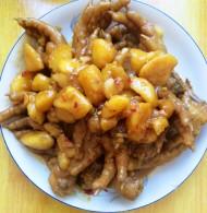 土豆炖鸡爪子