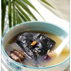 冬菇元肉乌鸡汤