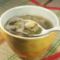 莲藕莲子绿豆汤