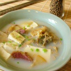 咸肉河蚌豆腐汤