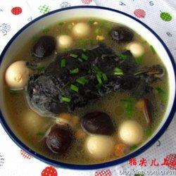乌鸡鹌鹑蛋汤