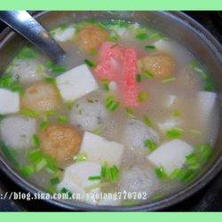 丸子豆腐粉丝猪骨浓汤