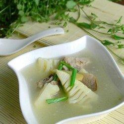 春笋排骨咸肉汤