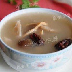 墨鱼猪骨莲藕汤