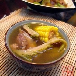 霸王花粟米猪骨汤