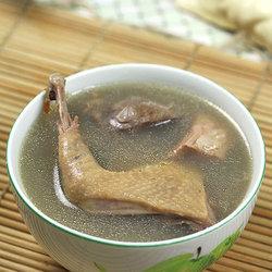 土茯苓绿豆老鸽汤