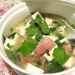 咸肉香菜豆腐汤