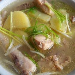 土豆炖鸡汤