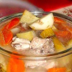 竹蔗马蹄胡萝卜猪骨汤