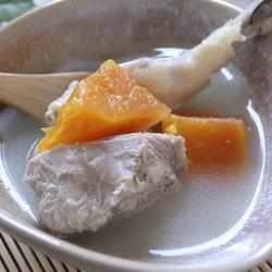 木瓜鸡脚猪骨汤
