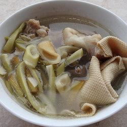小笋千张骨头汤