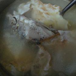 鲫鱼蛋包汤