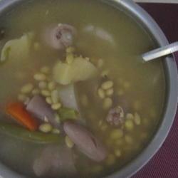 黄豆猪尾汤
