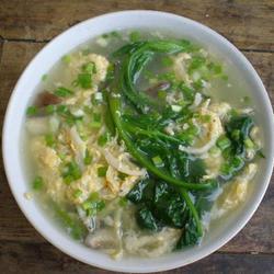 银鱼鸡蛋菠菜汤