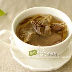 菌菇鸭杂汤