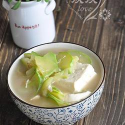 猪骨豆腐汤