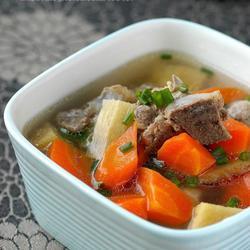 甘蔗红萝卜猪骨汤