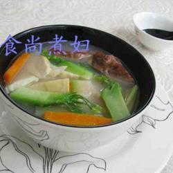 鲜蔬腊鸭汤