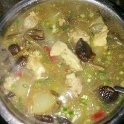 茶树菇煲水鸭汤