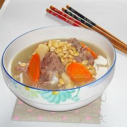 黄豆骨头汤