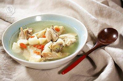 山药煲鸡汤