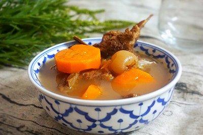 黄芪灵芝猪骨汤