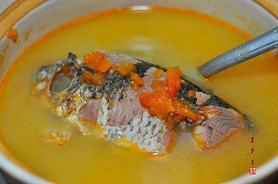 下奶汤:木瓜鲫鱼汤