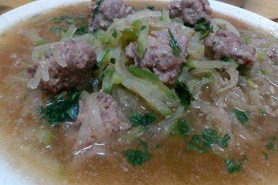 萝卜丝牛肉丸子汤