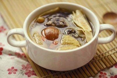 麦冬玉竹乌鸡汤
