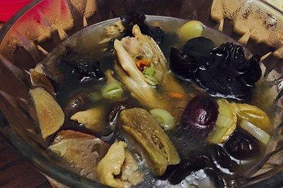 啤酒香菇老鸭汤