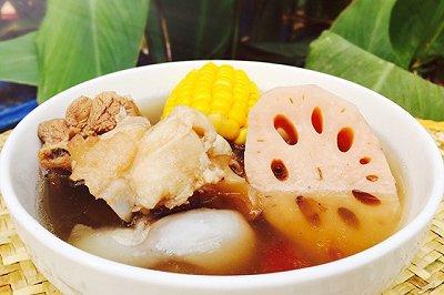 莲藕玉米猪骨汤