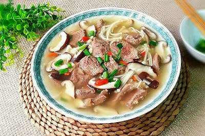 双菇牛腱(牛肉)汤