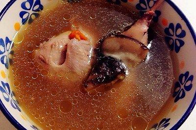 滋补红枣鸽子汤