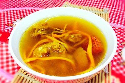 补肾汤:红参猪尾虫草