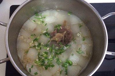清炖牛尾骨萝卜汤