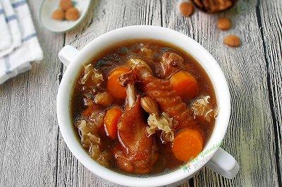 银耳罗汉果鸡汤