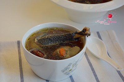乌鸡香菇红枣汤