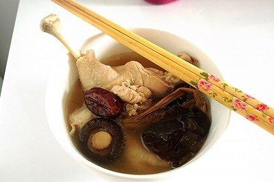 杂菌养胃鸡汤