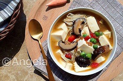 秋日暖心菇菇豆腐锅